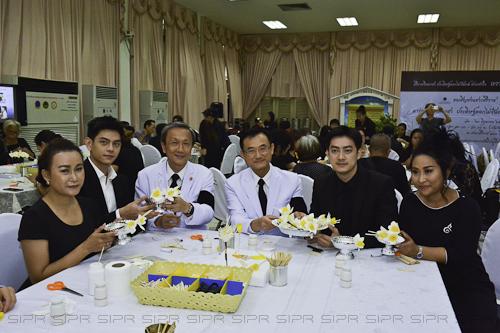 Siriraj held Funeral Wood Flowers Voluntary Workshop for Royal Cremation