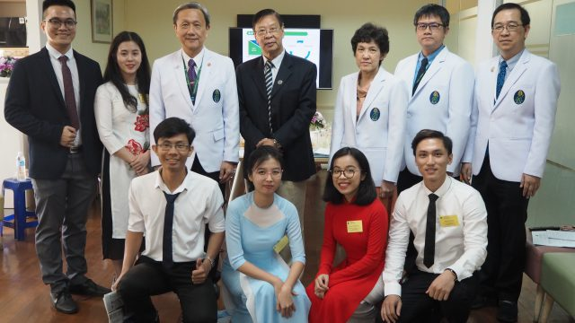 Dean of School of Medicine Vietnam National University HMC Visits Siriraj